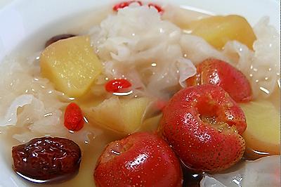 苹果银耳红果汤