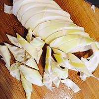 笋尖豆腐清炖小黄鱼的做法图解2