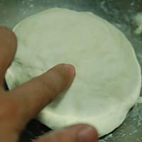 芝士大虾披萨的做法图解3