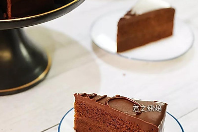 要说最经典的巧克力蛋糕,必须有它啦   萨赫蛋糕