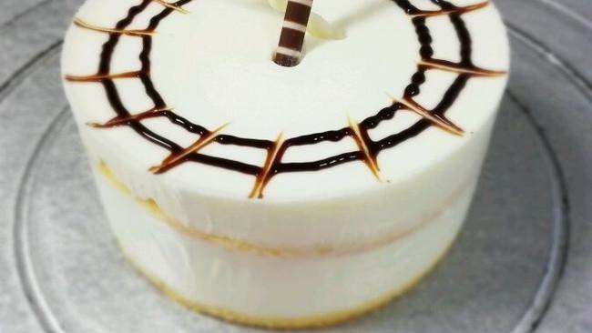 酸奶奶酪慕斯蛋糕#我动了你的奶酪#的做法
