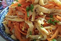 胡萝卜炒鸡丝。的做法