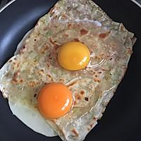 饺子皮变身葱油饼的做法图解6