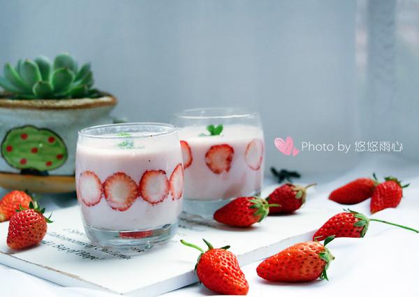 颜值担当,草莓奶昔~