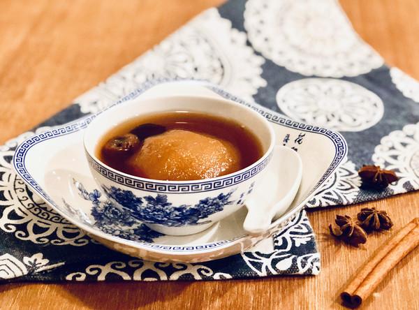 确保春节不感冒的雪梨桂圆姜糖水的做法