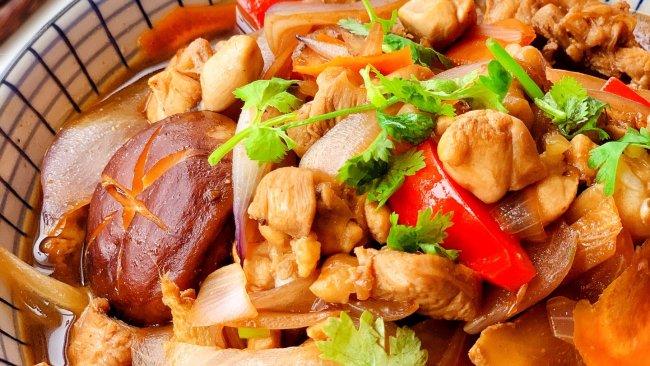 #橄享国民味 热烹更美味#小炒鸡腿肉的做法
