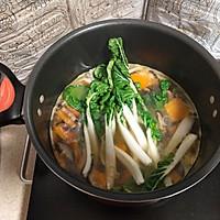 奶白菜蘑菇南瓜汤  #花10分钟,做一道菜!#的做法图解8