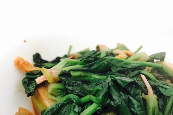 橄露Gallo经典特级初榨橄榄油试用之泡菜烩菠菜的做法