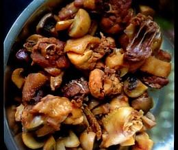 双孢菇炒鸡肉的做法