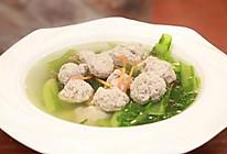 《回家吃饭》麻油小白菜肉丸汤的做法