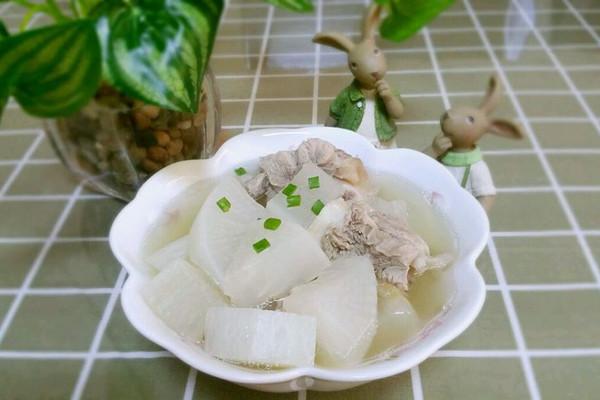 萝卜筒骨汤的做法