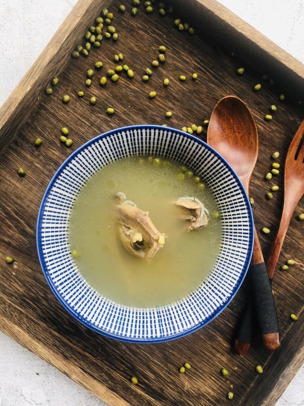 夏天消暑不能少的鸽子绿豆汤的做法