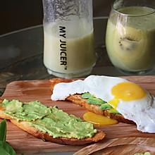 牛油果面包+奇异果汁#ErgoChef原汁机食谱#