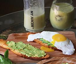 牛油果面包+奇异果汁#ErgoChef原汁机食谱#的做法