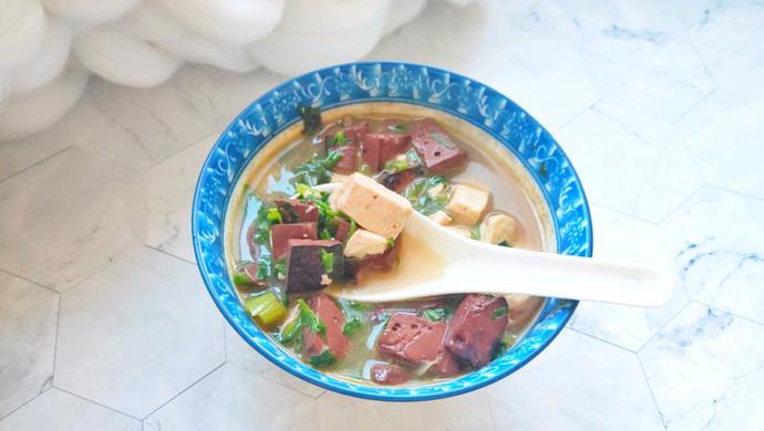 冬天喝猪血豆腐汤:暖身的同时还补血和清理五脏六腑里的垃圾