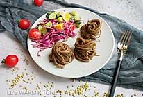 家常减脂餐:蔬菜沙拉荞麦面的做法