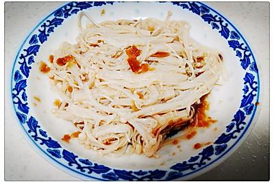 剁椒金针菇~~三分钟快手美味菜