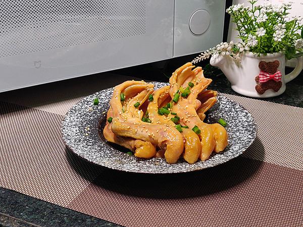 简单容易做的爽脆蚝油焗鸭掌