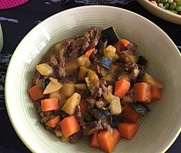 南瓜胡萝卜土豆炖牛肉的做法