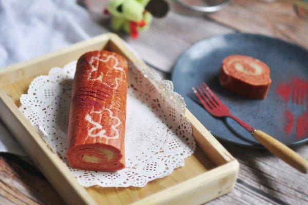 红丝绒手绘蛋糕卷+#重返18岁的少女心美食#的做法