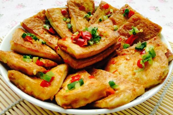 吃货必须要学会的--香煎黄金豆腐的做法