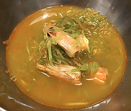 温暖系   超鲜的「虾头萝卜汤」的做法