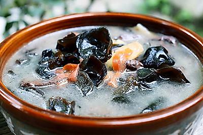 排毒清肠的木耳猪血汤