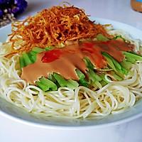 麻酱油芹菇凉面的做法图解8