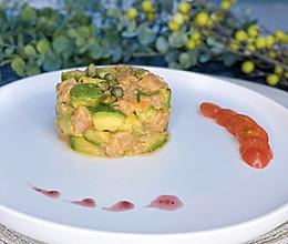 ❤️三文鱼牛油果色拉❤️美容养颜佳品的做法