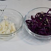 油醋汁甜豆玉米紫甘蓝沙拉的做法图解4