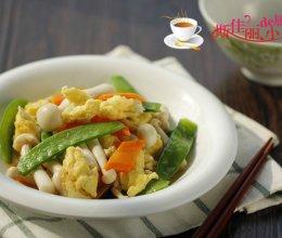 荷兰豆海鲜菇炒鸡蛋的做法
