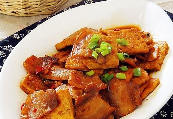 五花肉烧老豆腐的做法
