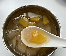 #入秋滋补正当时#秋季润燥,黄桃雪梨银耳汤的做法
