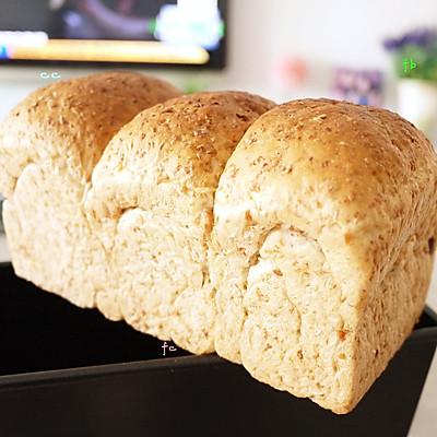 纯手工全麦吐司面包