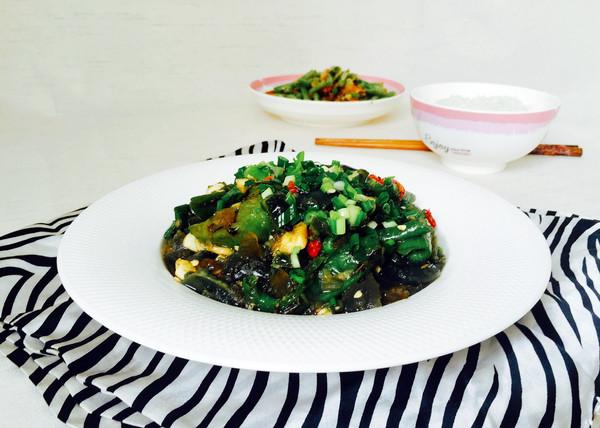 #花10分钟,做一道菜!#擂辣椒皮蛋的做法