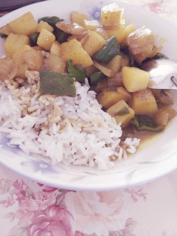 土豆咖喱饭的做法