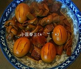 上海本帮酱蛋百叶结红烧肉的做法