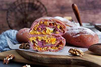 紫薯麻薯核桃肉松软欧包