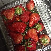 草莓慕斯蛋糕的做法图解1
