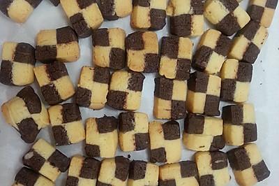君之:双色小棋格饼干