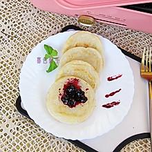 #全电厨王料理挑战赛热力开战!# 蓝莓果酱年糕饼