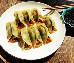 #营养小食光#韭菜鲜虾煎饺的做法