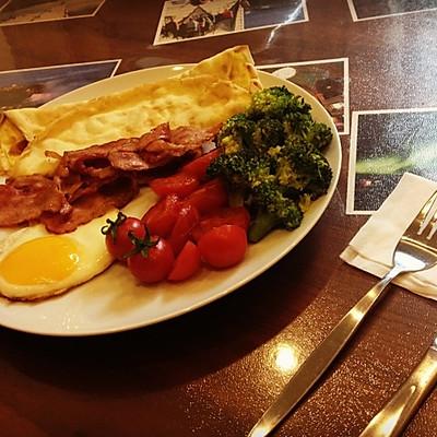 爱心鸡蛋芝士饼早餐