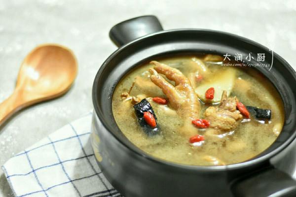 增抗体-胡麻灵芝鸡汤的做法