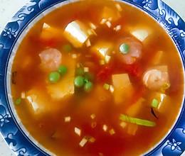 西红柿豆腐虾仁汤的做法