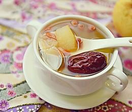 温补润燥——红枣百合雪梨糖水的做法