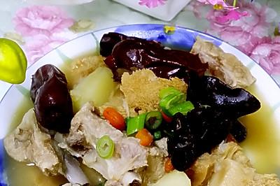 猴头菇排骨汤