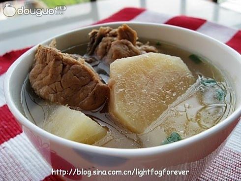 粉葛煲龙骨汤
