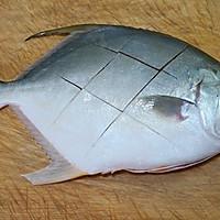 红烧鲳鱼的做法图解1