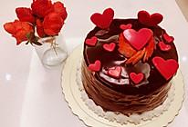 草莓夹心巧克力淋面蛋糕+草莓玫瑰花的生日祝福的做法